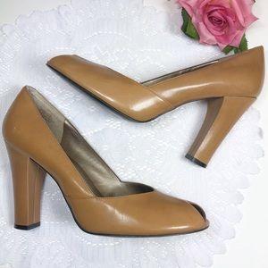 Enzo Angiolini Peep Toe Brown Womens Heels 8.5M